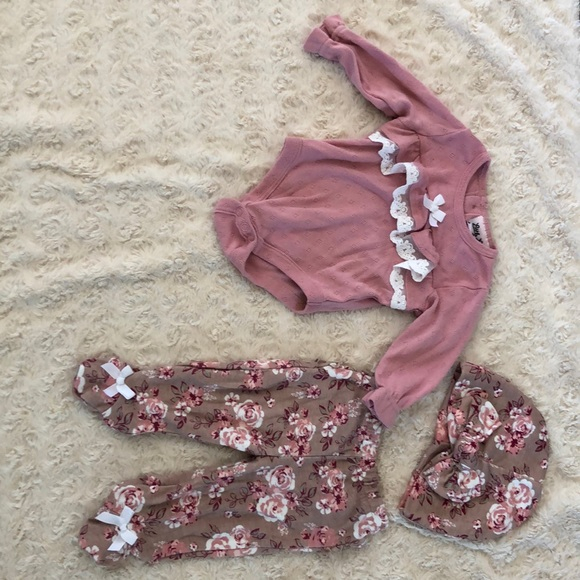 0-3M Baby Girl Outfit